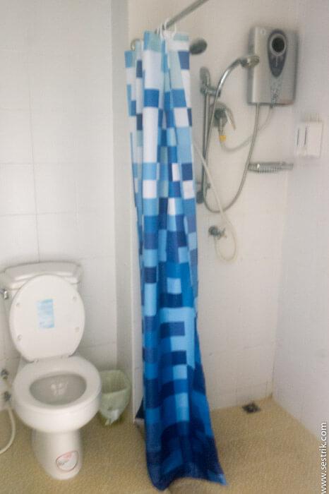 Туалет в тайском стиле
