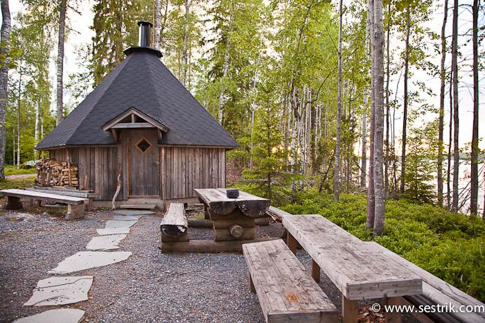 Финская сауна в лесу
