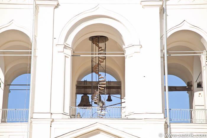Лестница на звоннице в Юрьевом монастыре