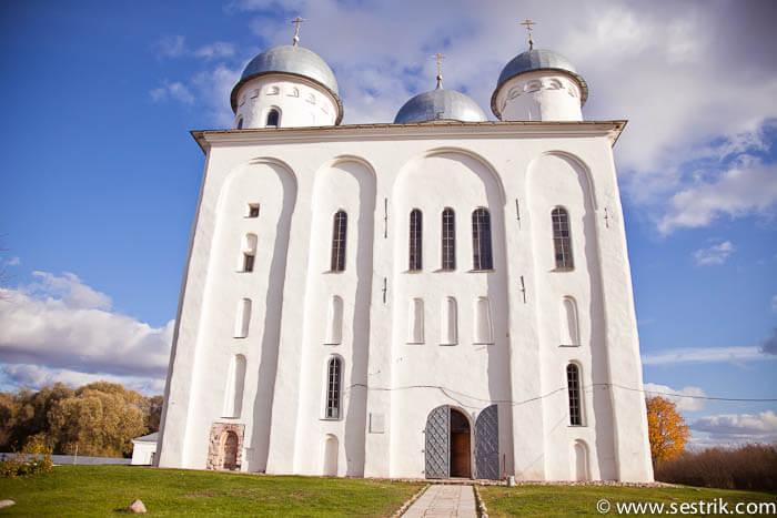Юрьев монастырь в Новгороде