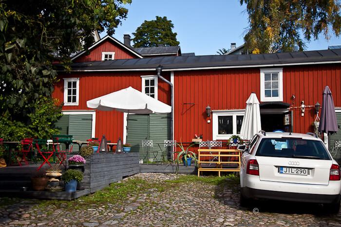 Красные дома в центре Порвоо