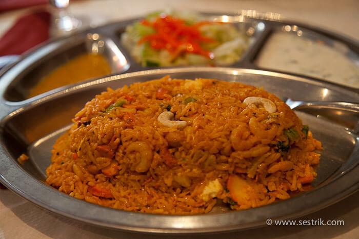 непальский ресторан в Порвоо